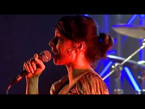 Nouvelle Vague - In A Manner Of Speaking (Live in Lisbon, Portugal)