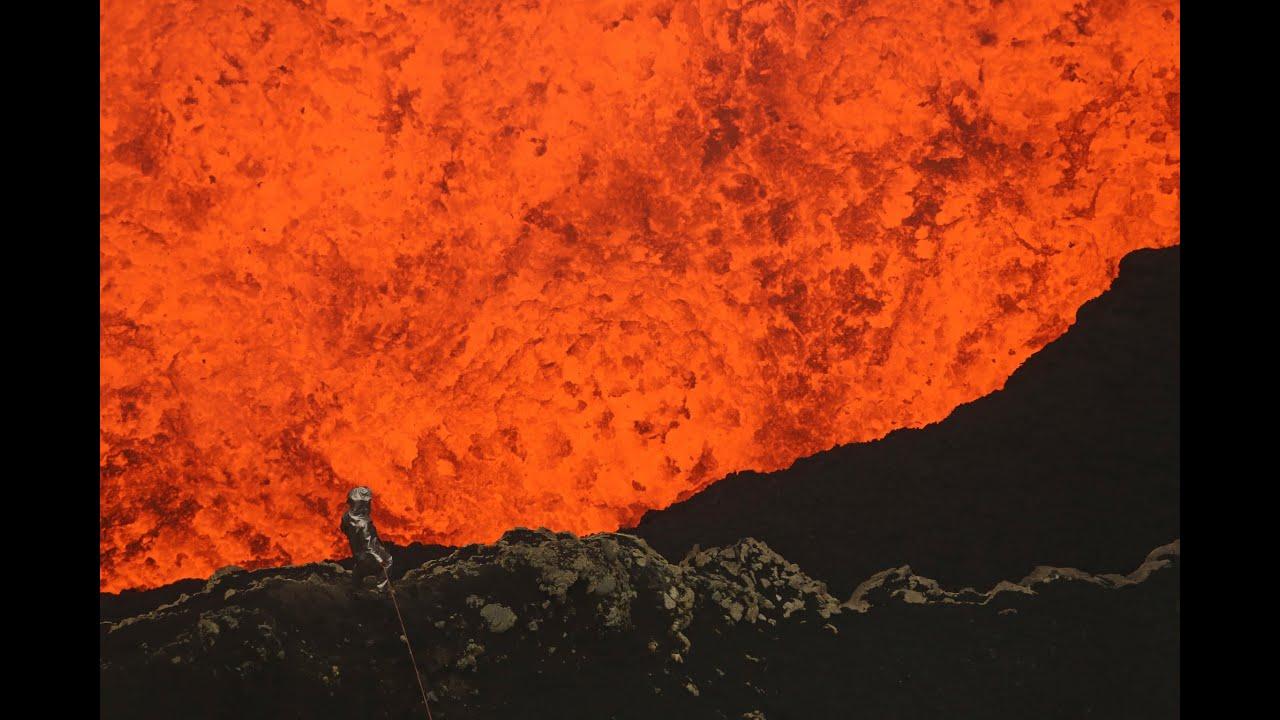 Видео спуска в кратер действующего вулкана взорвало интернет