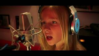 Download Lagu This Is Me covered by Jadyn Rylee with Alyssa and Ainsley Gratis STAFABAND