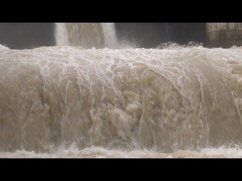 台風11号 四万十川が氾濫、洪水被害 Typhoon Halong Flood Waters Shikoku Japan 10th August 2014