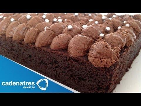 Receta para preparar brownies.  Receta de brownies / Receta de postres / Postres fáciles