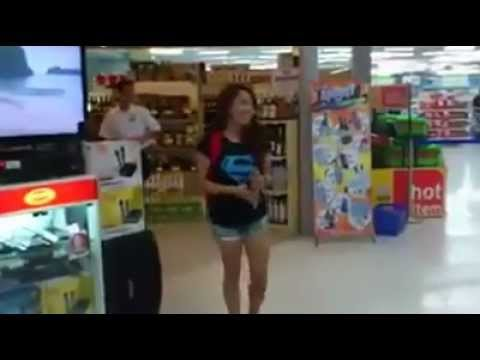 girl singing in shopping Mall awesome