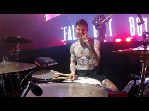 Fall Out Boy: Sugar, We're Goin Down (LIVE)