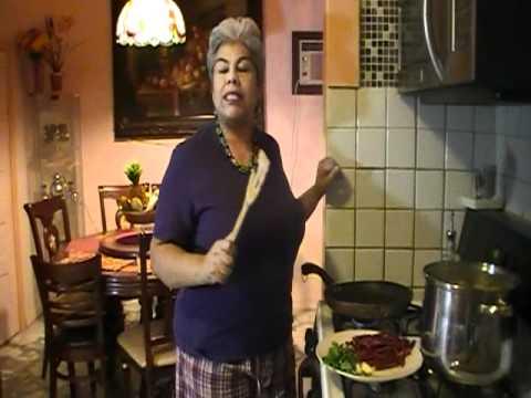 Chicharron Seco de Puerco en Salsa de Tomatillo