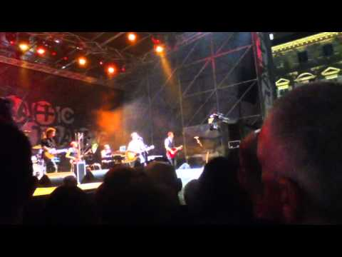 Edoardo bennato Asia live a Torino traffic free. Music fe