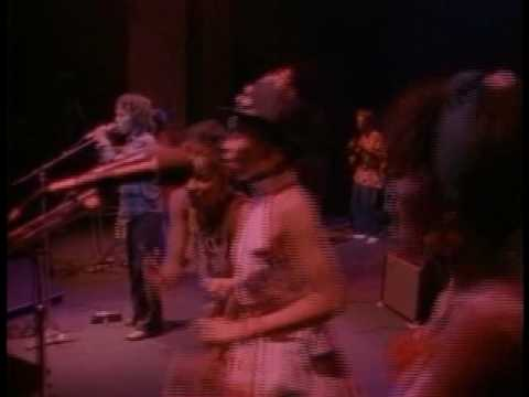 Ziggy Marley And The Melody Makers - Tomorrow People (Live At...