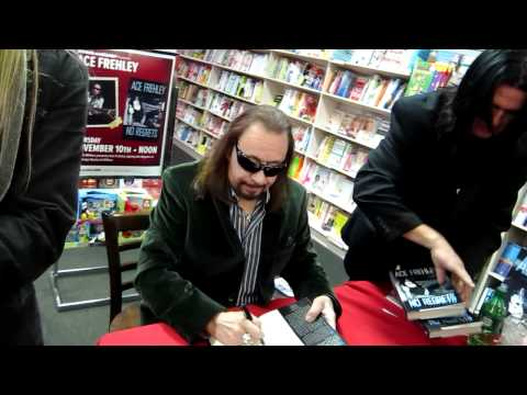Ace Frehley Book signing No Regrets at Books a Million Chicago