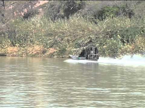 Blindados en el Rio Bravo
