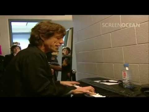 Mick Jagger Backstage Playing Piano (Chris Evans Meets The Rolling Stones '99)