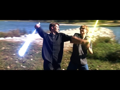 スターウォーズのライトセーバーで兄弟喧嘩