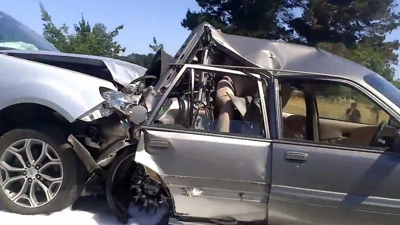 Summernats 26 Insane Crash Holden Vl 2angry Youtube