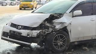 Высокая скорость выкинула авто на встречную полосу в аварии на Луговой