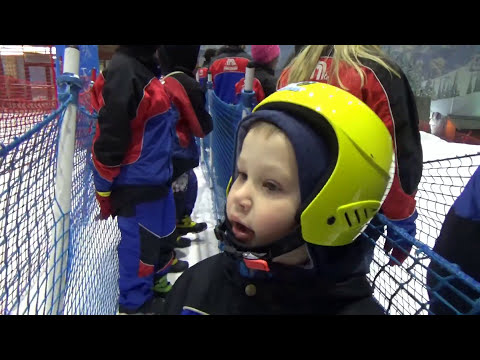 Макс в Дубаи День#7 едем кататься на санках и больших шарах в Ski Dubai