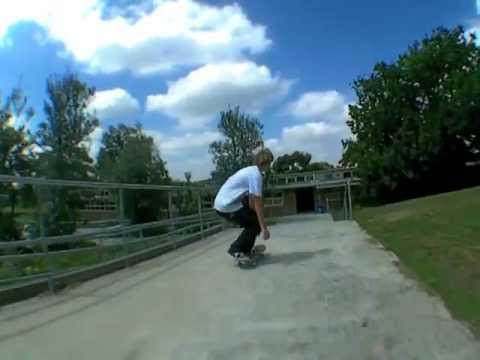 Pakenham skateboarding craptage 2