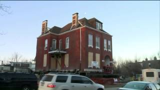 History Made as Historic House is moved