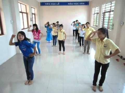 Tập nhảy dân vũ trống cơm