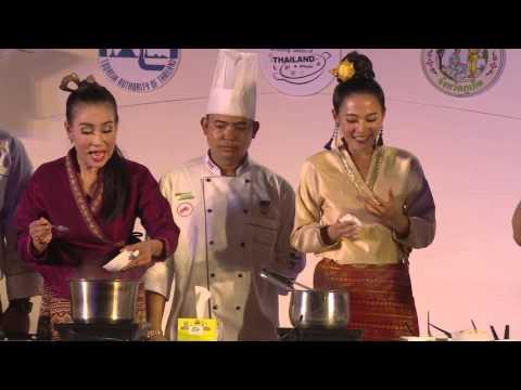 โชว์ทำอาหารจานดารา จากนักแสดงละครเจ้านาง L Amazing Tastes Of Thailand #Phuket