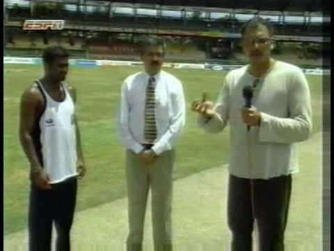 A closer look at Muttiah Muralitharan's bowling action