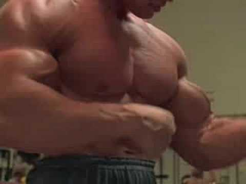Body Building - arnold schwarzenegger - Pumping Iron
