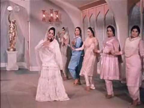 Mere Mehboob(1963)-Jaaneman Ek Nazar Dekh Le (Lata Mangeshkar...