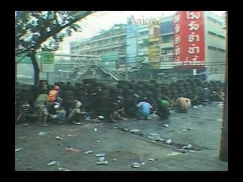 Major General Khattiya Sawasdiphol dies in hospital as Bangkok suffers yet more violence