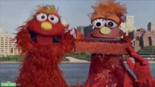 Sesame Street: Word on the Street - Sculpture - 1080p HD