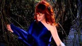 Watch Florence & The Machine Hurricane Drunk video