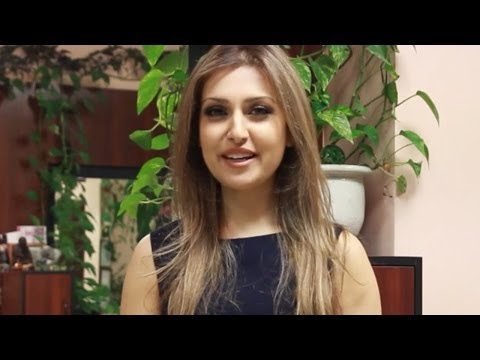 Mozhdah Jamalzadah ''et Canada Host'' Ad video