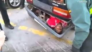 download musica Illegal immigrant hidden in a bumper