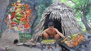 Primitive Technology : Cooking A lots of Octopus on the Rock Eating So Delicious