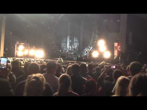 Motley Crüe Live at Meadowbrook Gilford NH Tommy Lee Drum S