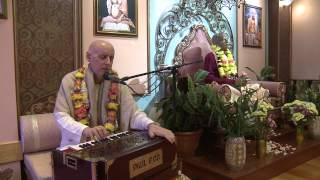 2012.10.27. Kirtan before BG ISKCON Riga, Latvia