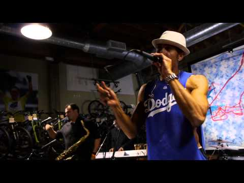 Ozomatli - Nadas Por Free (Live on KEXP)