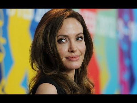 Angelina Jolie's Bold Choice For A Double Mastectomy video