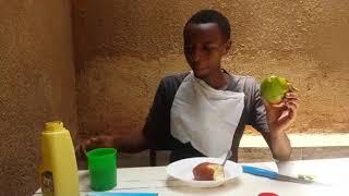 Umwe muri ba 3 ba mbere bari kurya neza mu rwanda no muri east africa