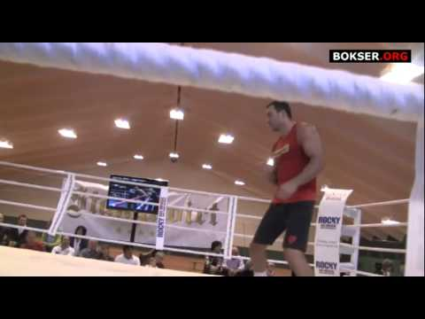 Wladimir Klitschko shadow boxing