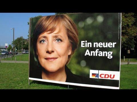 Die Oppositionspolitikerin Angela Merkel fordert in 2002 eine Obergrenze für Zuwanderung