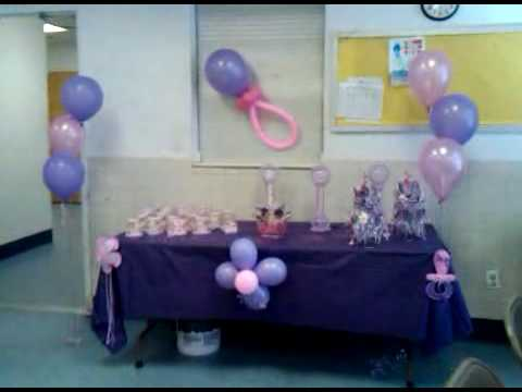 Balloon decorations vid 00010 20100306 1543 1 youtube for Balloon decoration ideas youtube
