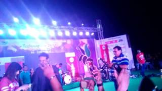 shirley setia oops movement in gwalior concert