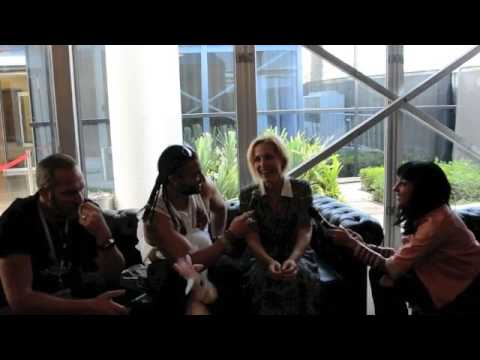 Gillian Anderson at Comic Con Dubai on The Kris Fade Show