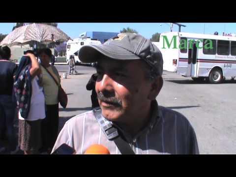 Con bloqueo, colonos exigen suministro de agua potable