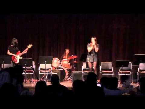 The Marvelwood School Spring  Concert 2011 -Viva la Gloria? Little Girl