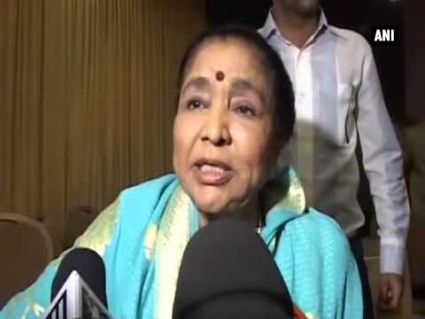 Wax Statue of Asha Bhosle and Sharad Pawar unveiled in Mumbai