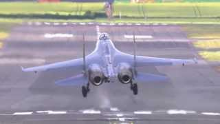 SUKHOI SU35 (Vidéo officielle Salon du Bourget 2013 / Official video Paris Air Show 2013)