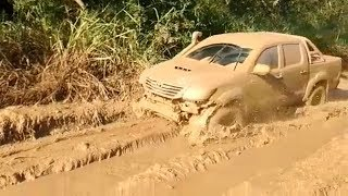 Best Toyota HILUX 4x4 Truck Extreme Off Road | Hilux In USA Action