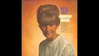 Watch Skeeter Davis I Dont Wanna Play House video