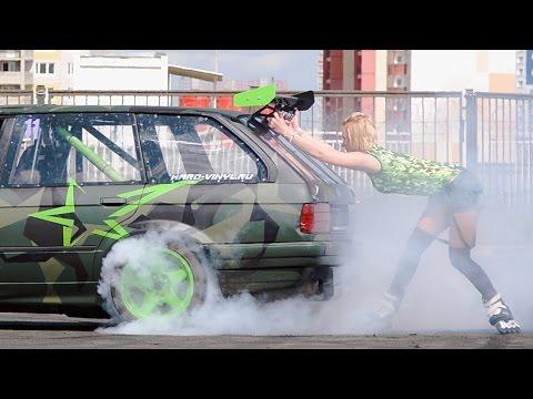 Drift Show with Girl BMW E30