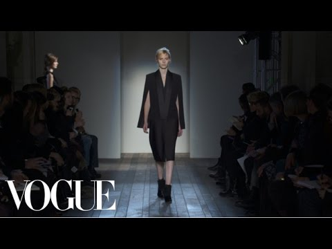 Victoria Beckham Ready to Wear Fall 2013 Vogue Fashion Week Runway Show