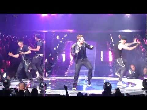 2011-06-18 - Backstreet Boys - NKOTBSB Tour - Get Down (You're The One For Me)