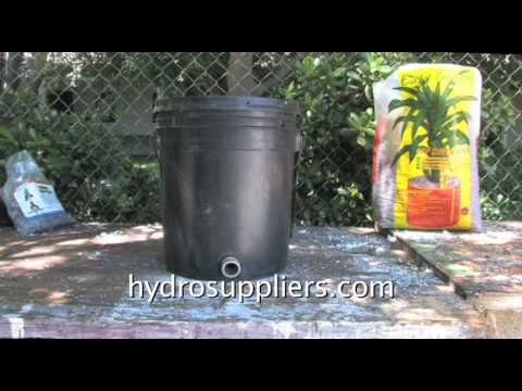 Make A Hydroponic Garden With Buckets And Hydroton